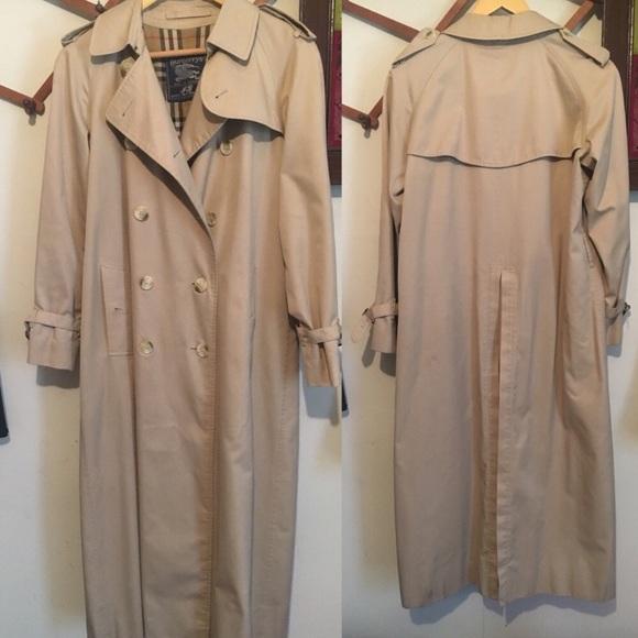 Burberry Jackets & Blazers - Burberry classic trench coat